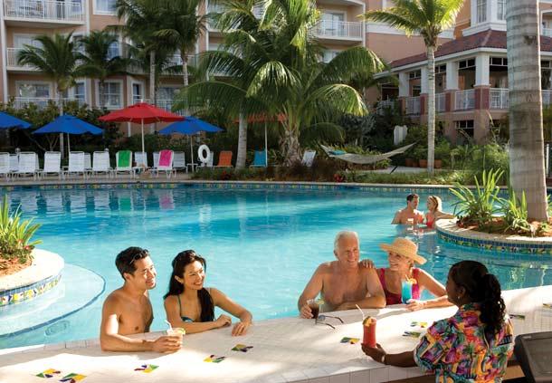 Vista de piscina resort Marriott Aruba Surf Club