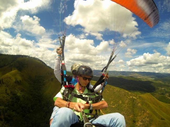 La aventura de volar en parapente