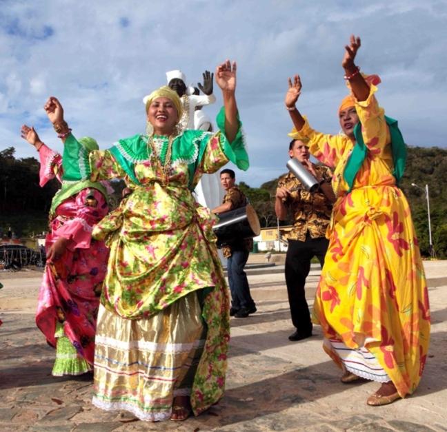 Carnaval El Callao madamas